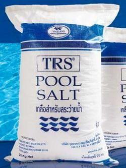 เกลือบริสุทธิ์สำหรับสระว่ายน้ำระบบเกลือ ถุงละ 25 กก. จำนวน 10 ถุง