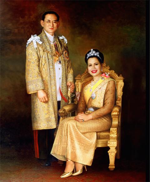 รูปในหลวงและพระราชินี (ใหญ่) 1