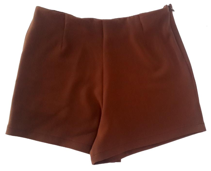 กางเกงขาสั้นเอวสูงขอบเรียบผ้าฮานาโกะ ซิปซ้าย กระเป๋าขวา สีน้ำตาลเข้ม Size S M L XL