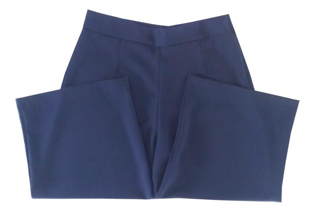 กางเกงขาบาน5ส่วน ผ้าฮานาโกะ ซิปซ้าย ไม่มีกระเป๋า สีกรมท่า Size S M L XL สำเนา