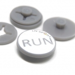 RaceNap ตัวติดเบอร์วิ่ง (BIB Race Number Holder) ลาย RUN สีขาว