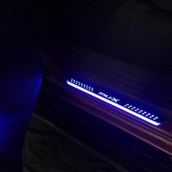 ชายบันได ISUZU MU-X แบบมีไฟ ยี่ห้อFitt